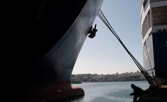 Καθηλωμένα σήμερα τα πλοία από την απεργία της ΠΝΟ