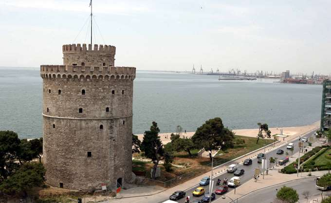 Θεσσαλονίκη: Πυρκαγιά μέσα στο χώρο του λιμανιού