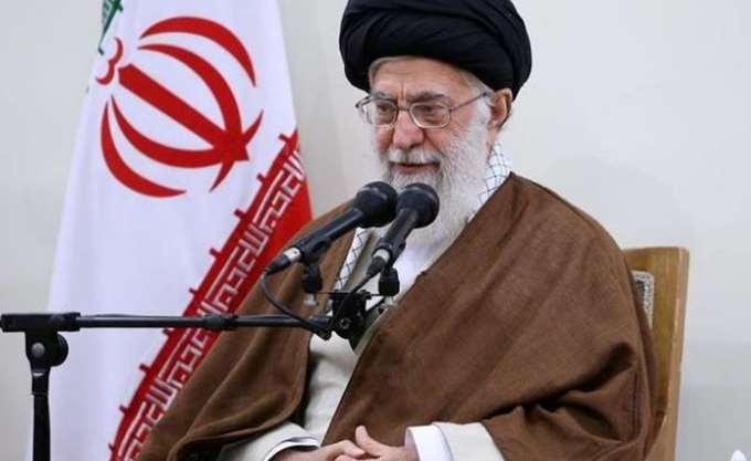 Ιράν: Απαγορεύτηκε η διδασκαλία των Αγγλικών στο Δημοτικό