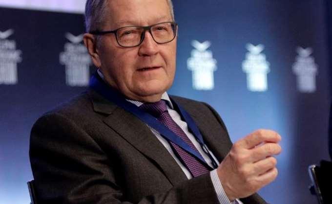 Regling: Αν απαιτηθεί ελάφρυνση χρέους, η εποπτεία θα είναι πιο αυστηρή