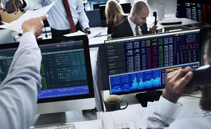 Επιφυλακτική άνοδος στις διεθνείς αγορές λόγω των κεντρικών τραπεζών