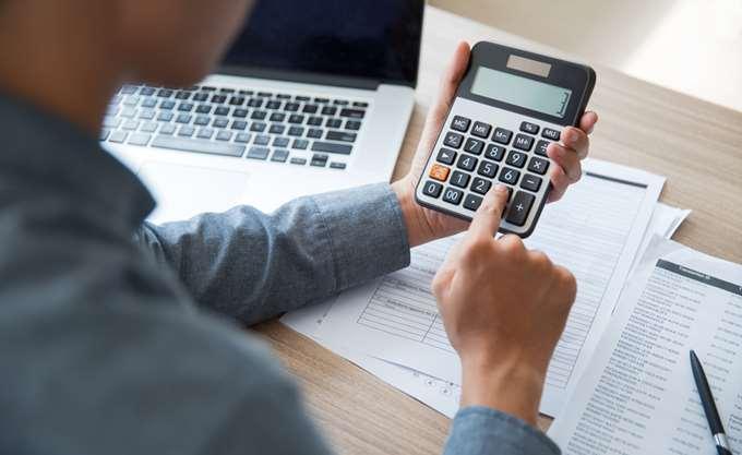 Τι αλλάζει για τις εισφορές σε μπλοκάκια, αποδείξεις δαπάνης και αμοιβές από παράλληλη απασχόληση
