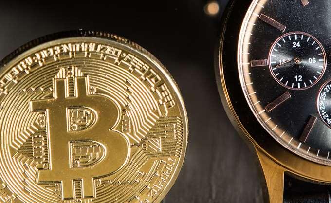Bitcoin: Διατηρεί τα 4.000 δολάρια αλλά χάνει μερίδιο αγοράς