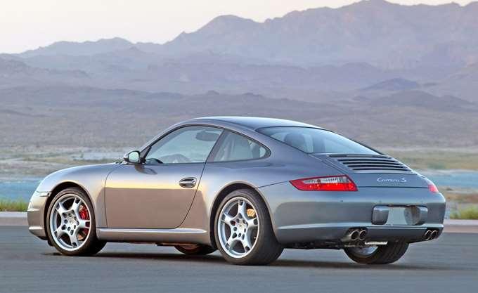 Στο σφυρί για €10.000 η Porsche της οικογένειας Αγούδημου