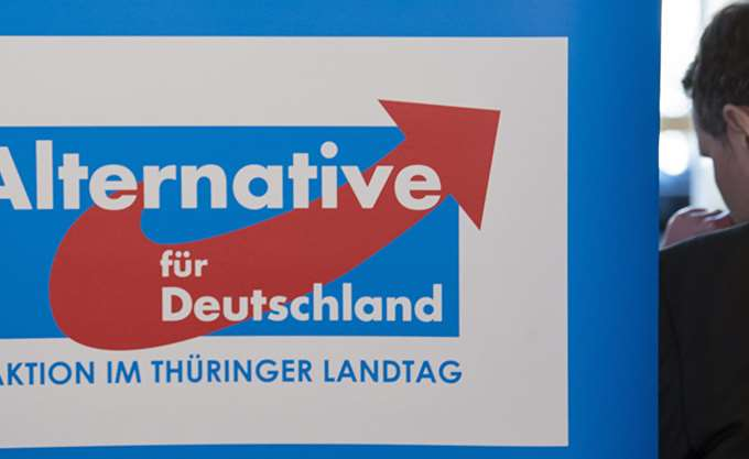 Σκάνδαλο παράνομης χρηματοδότησης στο κόμμα Εναλλακτική για τη Γερμανία