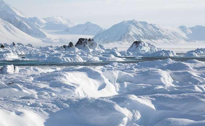 Ανακαλύφθηκε κάτω από τους πάγους της Γροιλανδίας τεράστιος κρατήρας διαμέτρου 31 χιλιομέτρων