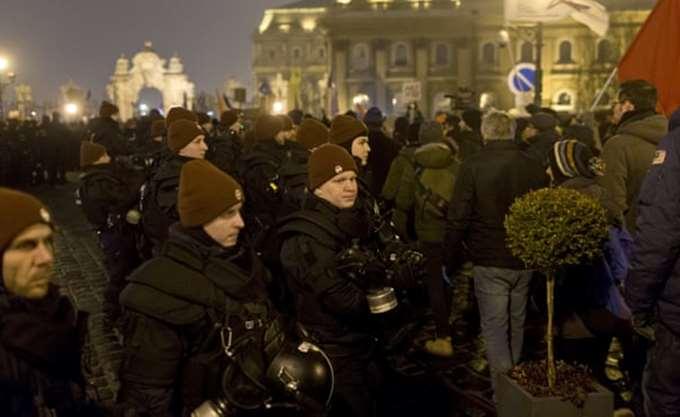 Ουγγαρία: Χαρακτήρα δημοψηφίσματος δίνει η κυβέρνηση στις εκλογές (;)