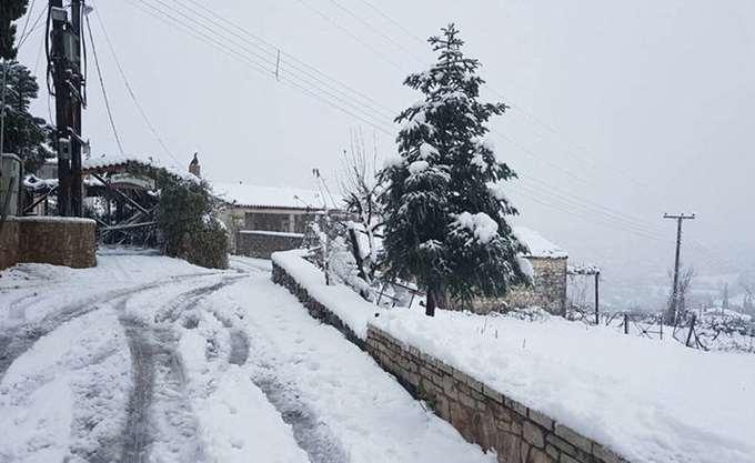 Έως και μισό μέτρο το χιόνι στα ορεινά των Τρικάλων