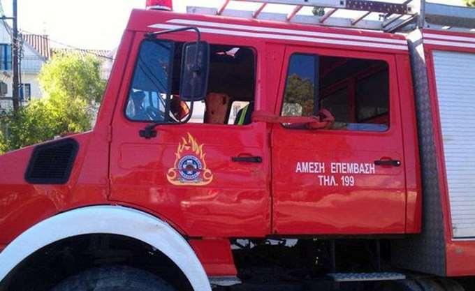 Μαίνεται η πυρκαγιά στη Δαφνιώτισσα στην Ηλεία