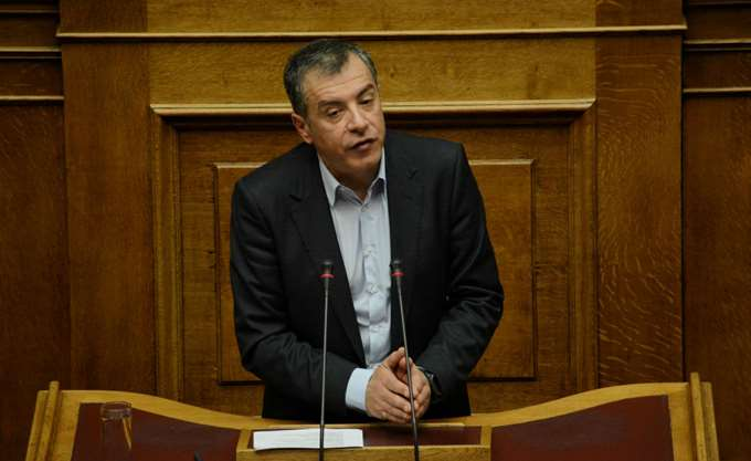 Στ. Θεοδωράκης: Οι πολιτικές δυνάμεις να μην κρύβονται πίσω από το πλήθος