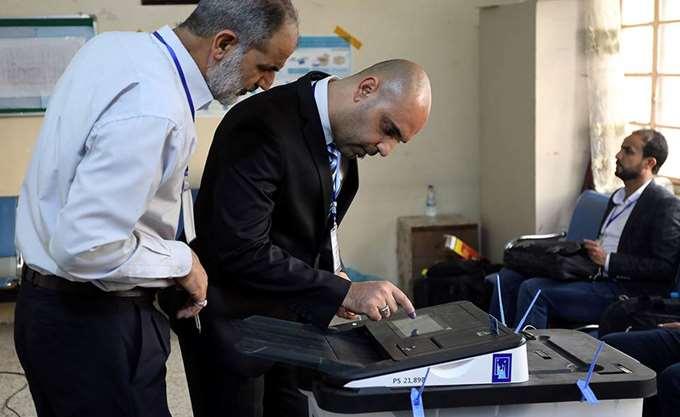 Ιράκ: Πλήρης ανατροπή των προβλέψεων και προβάδισμα του Μοκτάντα αλ Σάντρ