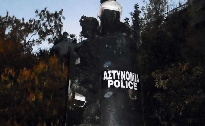 Καταγγελία αστυνομικών: Είχαμε εντολές να μείνουμε αδρανείς ενώ δεχόμασταν επιθέσεις στη Μυτιλήνη