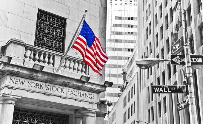 Εικόνα ήπιας ανάκαμψης δείχνουν τα futures της Wall Street