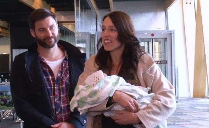 Ν. Ζηλανδία: Επέστρεψε στα καθήκοντά της η πρωθυπουργός Γ. Άρντερν έξι εβδομάδες μετά τη γέννηση της κόρης της