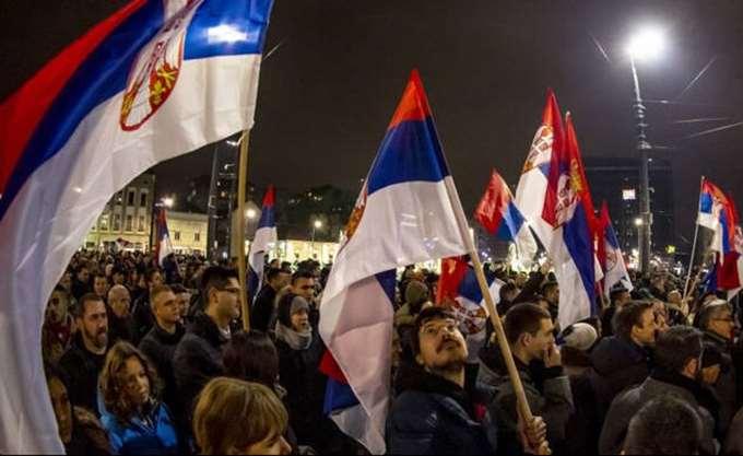 """Σερβία: """"Συμβόλαιο με τον λαό"""" υπέγραψαν οι ηγέτες της αντιπολίτευσης"""