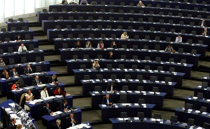 """Νέους κανόνες για το επίπεδο ελάχιστης κάλυψης """"κακών"""" δανείων ενέκρινε η Ευρωβουλή"""
