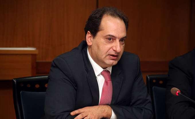 Χρ. Σπίρτζης: Νομιμοποιεί συμβάσεις έως €1 εκατ. χωρίς έλεγχο από Ελ.Συνέδριο