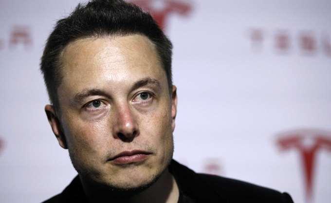 Εγκαταλείπεται το σχέδιο του Μασκ να βγει από το χρηματιστήριο η Tesla