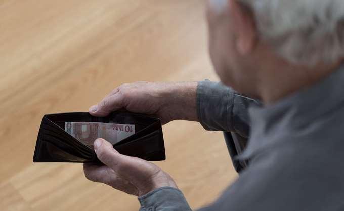 Αγωνία σε συνταξιούχους για τις (μη) επιστροφές