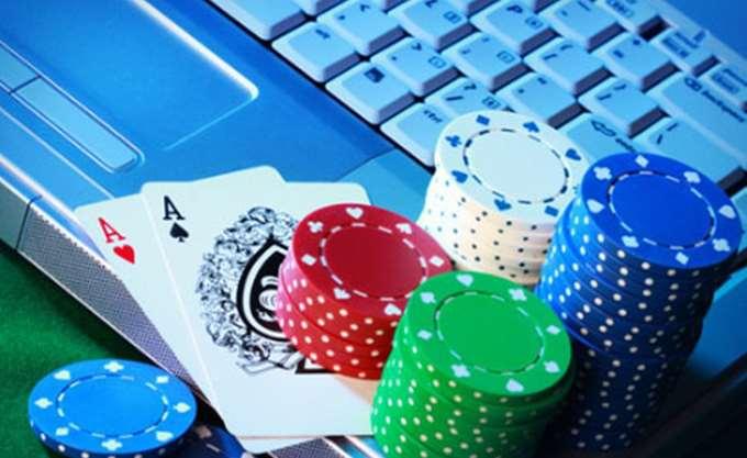 """Λουκέτο από την αστυνομία σε """"μίνι καζίνο"""" στην Αττική - Τέσσερις συλλήψεις"""