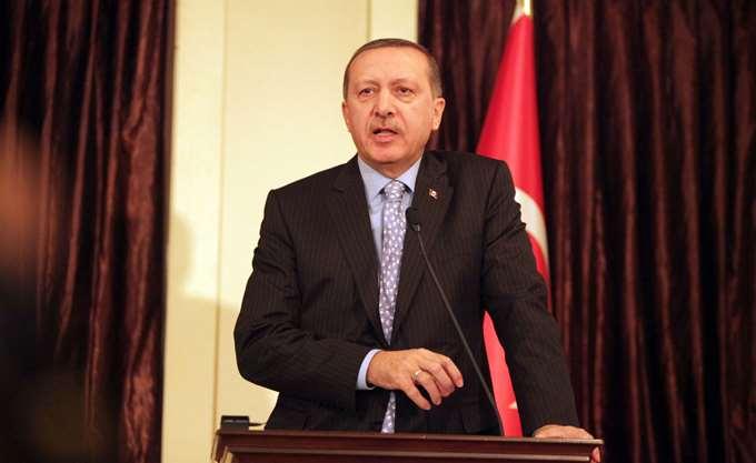 """Ερντογάν: Η Τουρκία βρίσκεται στην πλευρά της """"Μακεδονίας"""", η Ελλάδα είναι λάθος"""