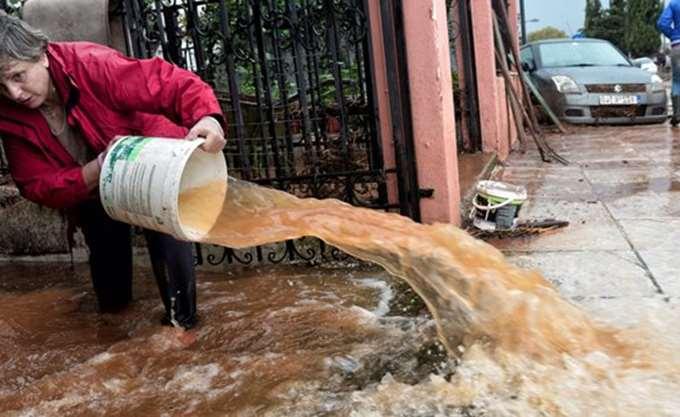 Λάρισα: Πλημμύρισαν καλλιέργειες σε περιοχές του δήμου Τεμπών