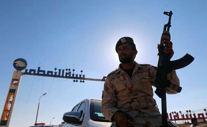 Οι αντίπαλοι ηγέτες της Λιβύης συναντήθηκαν για πρώτη φορά από τον Μάιο