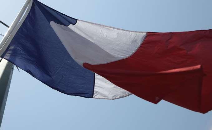Γαλλία: Διαδηλώσεις κατά του αντισημιτισμού με τη συμμετοχή πολιτικών απ' όλο το πολιτικό φάσμα