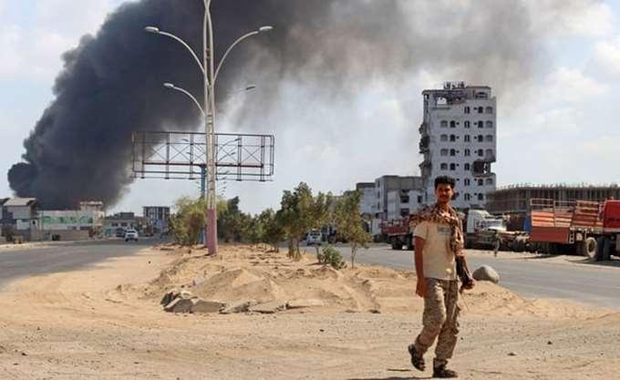 Υεμένη: Ο αραβικός συνασπισμός στοχοθετεί θέσεις των Χούτι κοντά στη Χοντέιντα