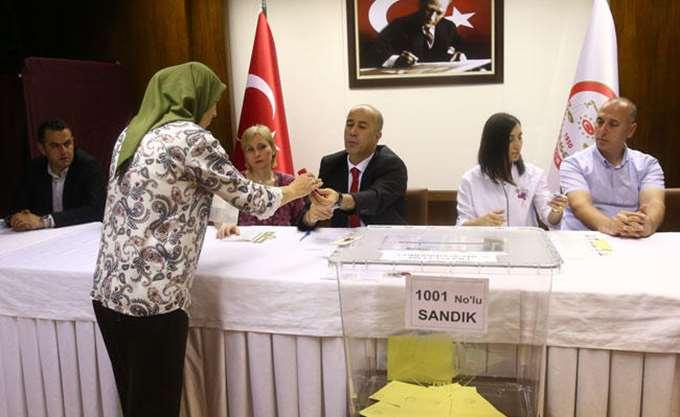 Τουρκία: Επανακαταμέτρηση ψήφων σε Κωνσταντινούπολη και Άγκυρα