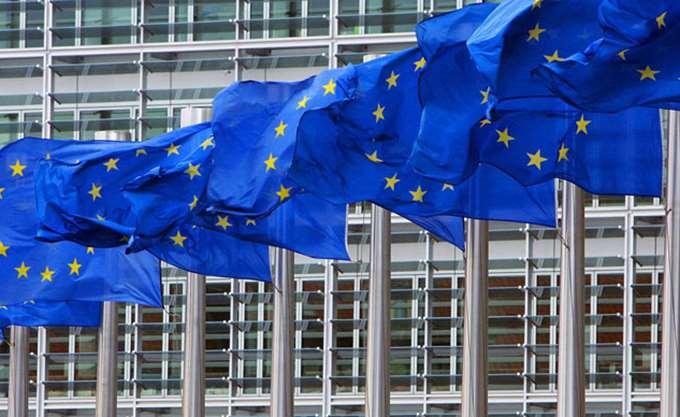 Euractiv: H ΕΕ γυρίζει οριστικά σελίδα στη χειρότερη οικονομική κρίση της ιστορίας της