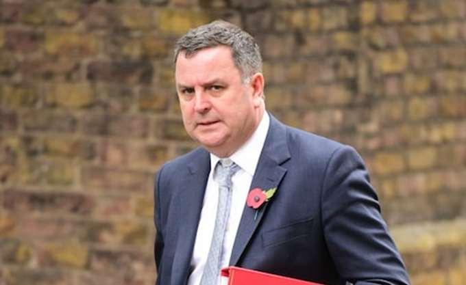 Βρετανία: Ο μέχρι σήμερα υφυπουργός Οικονομικών αντικαθιστά την παραιτηθείσα Α. Λίντσομ
