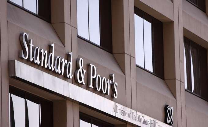 S&P: Σημειώνουν πρόοδο οι ελληνικές τράπεζες αλλά έχουν δρόμο ακόμη