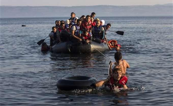 Μυτιλήνη: Διάσωση 51 προσφύγων από βάρκα που ανατράπηκε