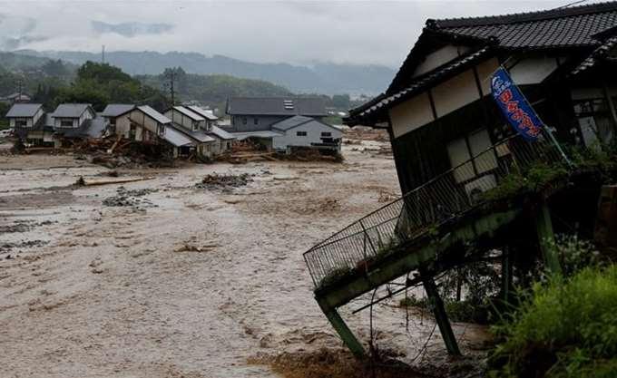 Ινδονησία: Τουλάχιστον 22 νεκροί από τις καταρρακτώδεις βροχές στη Σουμάτρα