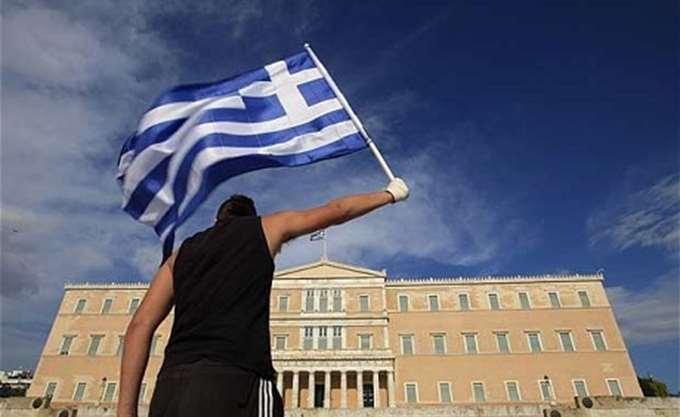 CNBC: Η οικονομική κρίση στην Ελλάδα προκαλεί ακόμη πόνο και φόβο