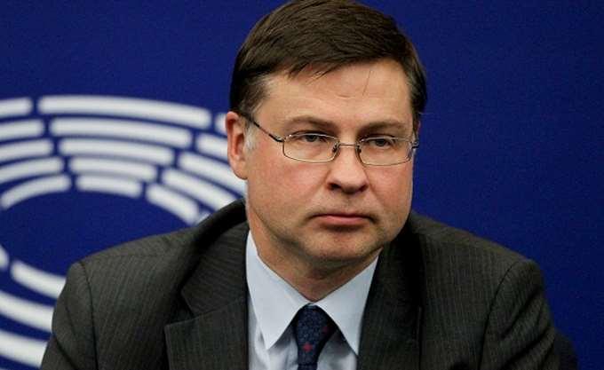 Ντομπρόβσκις: Απαιτούνται περαιτέρω προσπάθειες στα κόκκινα δάνεια
