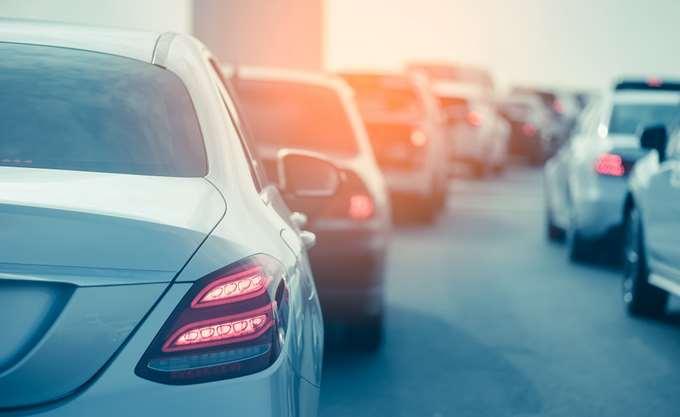 ΕΛΣΤΑΤ: Αυξήθηκαν 18,7% οι άδειες κυκλοφορίας νέων οχημάτων το Μάιο