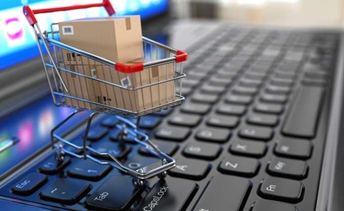Στα 1.818 ευρώ η κατά κεφαλή δαπάνη για online αγορές