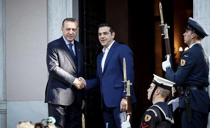 Διεθνής Τύπος για επίσκεψη Ερντογάν: Ξεφούσκωσε γρήγορα οποιαδήποτε προσδοκία για διπλωματία