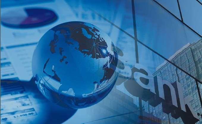 Bloomberg: Χείρα βοηθείας ΕΕ προς ιταλικές και ελληνικές τράπεζες για πωλήσεις NPLs