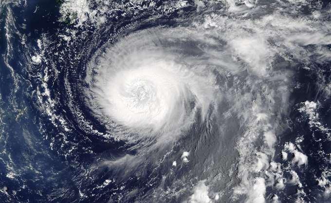 ΗΠΑ: Υποβαθμίστηκε ο τυφώνας Φλόρενς, αλλά παραμένει επικίνδυνος
