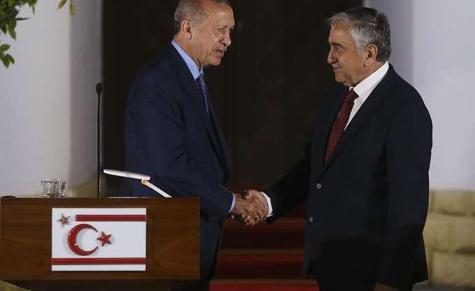 Μια... από τα ίδια οι δηλώσεις Ερντογάν - Ακιντζί, μετά τη συνάντησή τους