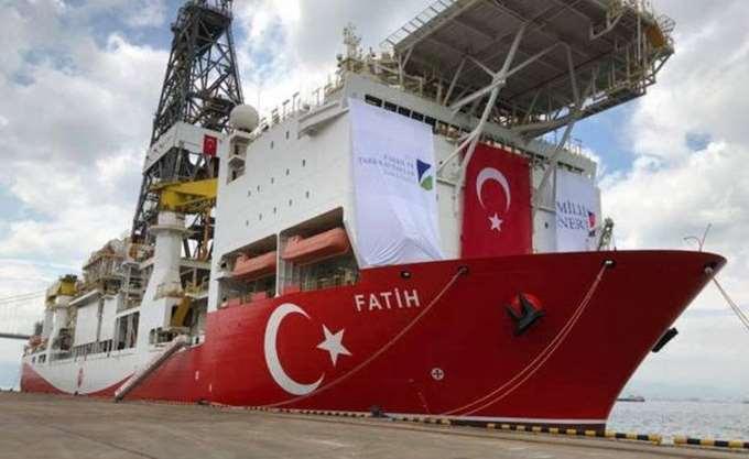 """Προς Αττάλεια πλέει το τουρκικό γεωτρύπανο """"Πορθητής"""""""