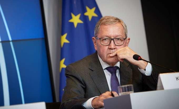 Ρέγκλινγκ: Οι ελληνικοί χειρισμοί του 2015 κόστισαν στη χώρα 86 έως 200 δισ. ευρώ