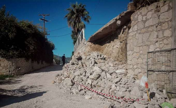 Προσωρινά ακατάλληλα 275 κτίρια στη Ζάκυνθο