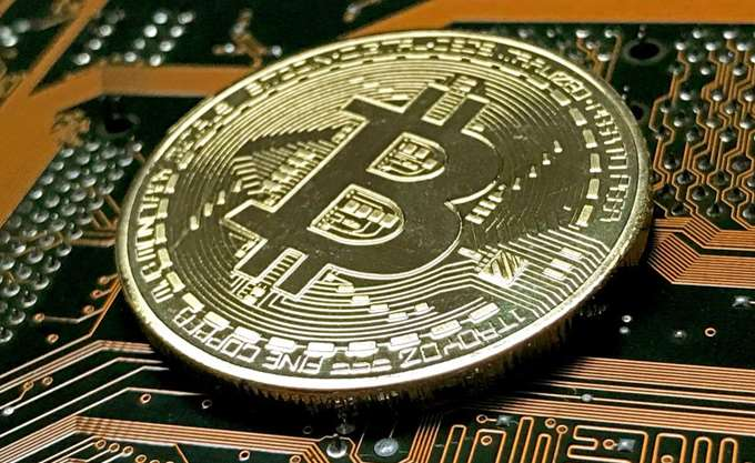 Bitcoin: Και πάλι πάνω από τα 40.000 δολάρια
