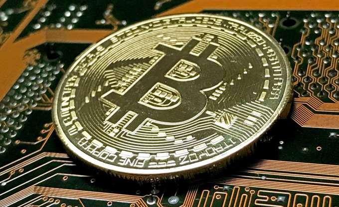 Τρεις παράγοντες που κρατούν στα χαμηλά την τιμή του Bitcoin