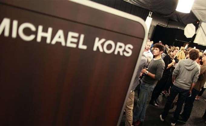 Με 1,83 δισ. ευρώ η Michael Kors εξαγοράζει την Versace