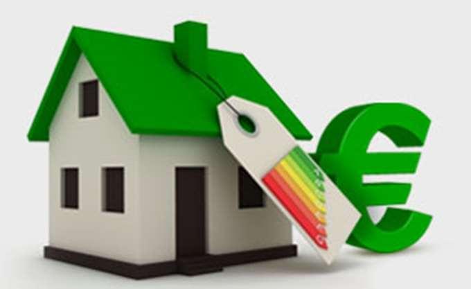 Ενεργειακός σχεδιασμός 2030: Αναβάθμιση για 1 στα 10 σπίτια, ηλεκτρικό 1 στα 10 αυτοκίνητα